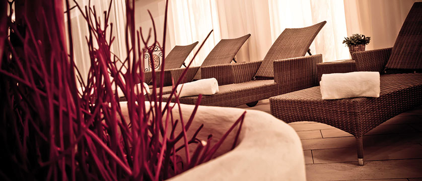 Q Hotel Maria Theresia, Kitzbühel, Austria - relaxation room.jpg